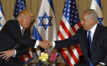 U.S. President Donald Trump (L) shakes hand with Israeli Prime Minister Benjamin Netanyahu during their meeting at the King David Hotel in Jerusalem May 22, 2017. REUTERS/Menahem Kahana/Pool