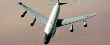 An RC-135 Stratoliner aircraft from the 9th Strategic Reconnaissance Wing approaches a KC-135 Stratotanker from the 1700th Air Refueling Squadron Provisional during Operation Desert Shield.USAF/Flickr