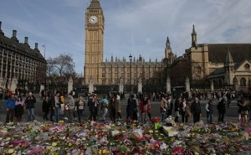 British police investigating the terror attack on parliament made a new arrest on March 26 as authorities try to piece together the assailant's motive. / AFP PHOTO / Daniel LEAL-OLIVAS (Photo credit should read DANIEL LEAL-OLIVAS/AFP/Getty Images)