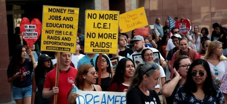FILE PHOTO: Supporters of the Deferred Action for Childhood Arrivals (DACA) program recipient during a rally outside the Federal Building in Los Angeles, September 1, 2017. REUTERS/Kyle Grillot