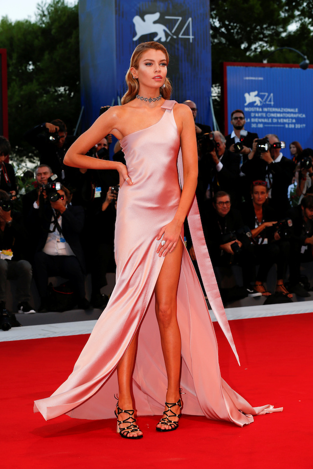 "Stella Maxwell poses as she arrives during a red carpet event for the movie ""Mother!"" at the 74th Venice Film Festival in Venice, Italy, Italy September 5, 2017. REUTERS/Alessandro Bianchi - RC1D5993C950"