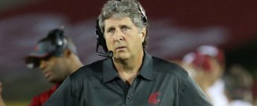 Head coach Mike Leach of the Washington State Cougars looks on during the game against the USC Trojans at Los Angeles Coliseum on September 7, 2013 in Los Angeles. (Photo by Stephen Dunn/Getty Images)