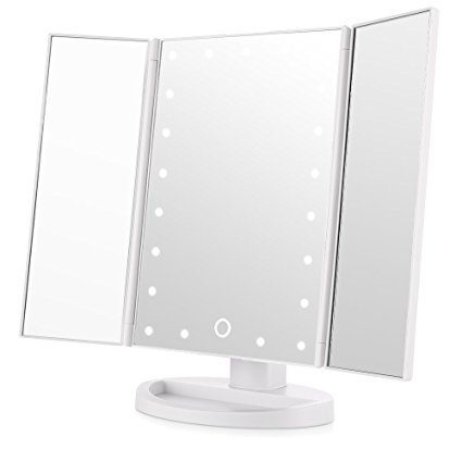 Normally $40, this #1 bestselling vanity mirror is 56 percent off with this code (Photo via Amazon)