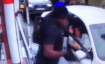 Carjacking in South Africa (Screenshot)