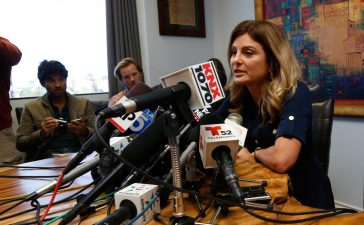 Lawyer Lisa Bloom, representing the woman accusing Republican presidential candidate Donald Trump of sexual misconduct in 1994, when she was 13 years old, speaks to media in Woodland Hills, California, U.S. November 2, 2016. REUTERS/Mario Anzuoni - HT1ECB21PVXA4