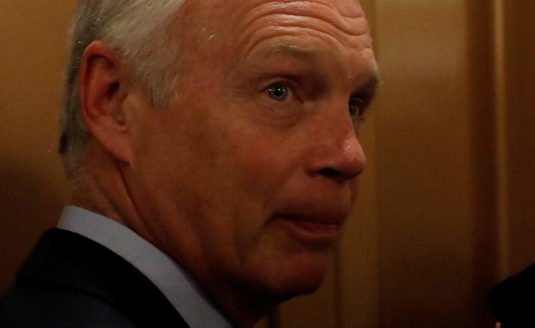 """Senator Ron Johnson (R-WI) speaks with reporters after the failure of the """"skinny repeal"""" health care bill on Capitol Hill in Washington, U.S., July 28, 2017. (Photo: REUTERS/Aaron P. Bernstein)"""