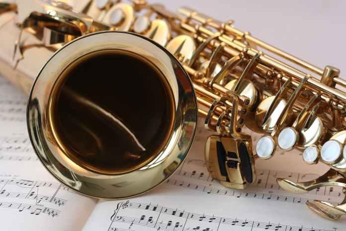 gold saxophone