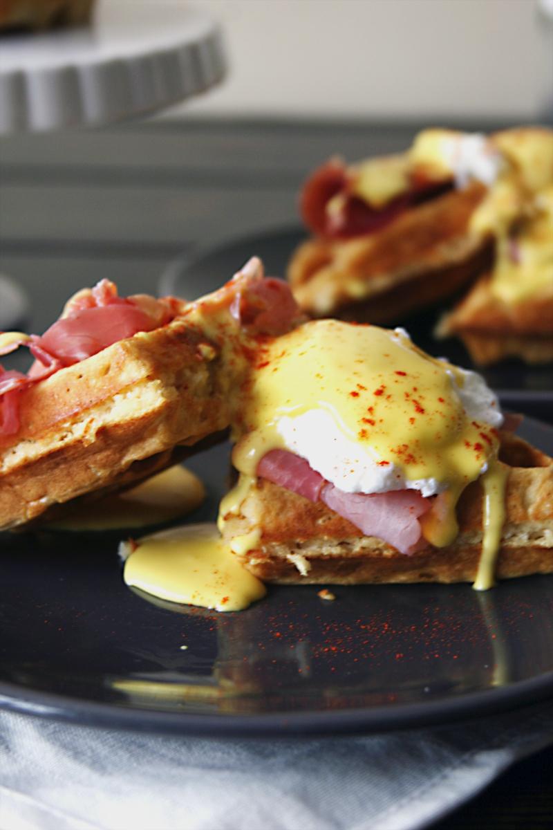 waffle-eggs-benedict-prosciutto-6