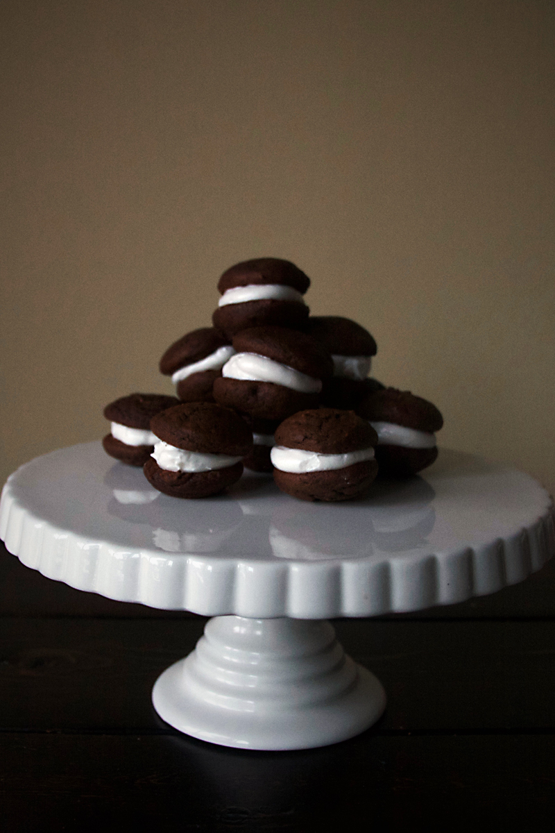 chocolate-whoopie-pies-marshmallow-frosting-9