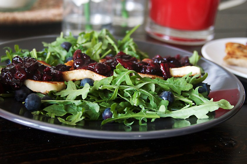 grilled-halloumi-salad-blueberry-compote-2