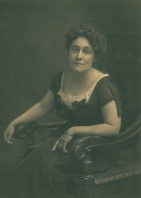 Alice Foote MacDougall, author of Autobiography of a Business Woman