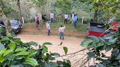 At Finca El Puente during ECWx Honduras. Photo courtesy of Intelligentsia Coffee.