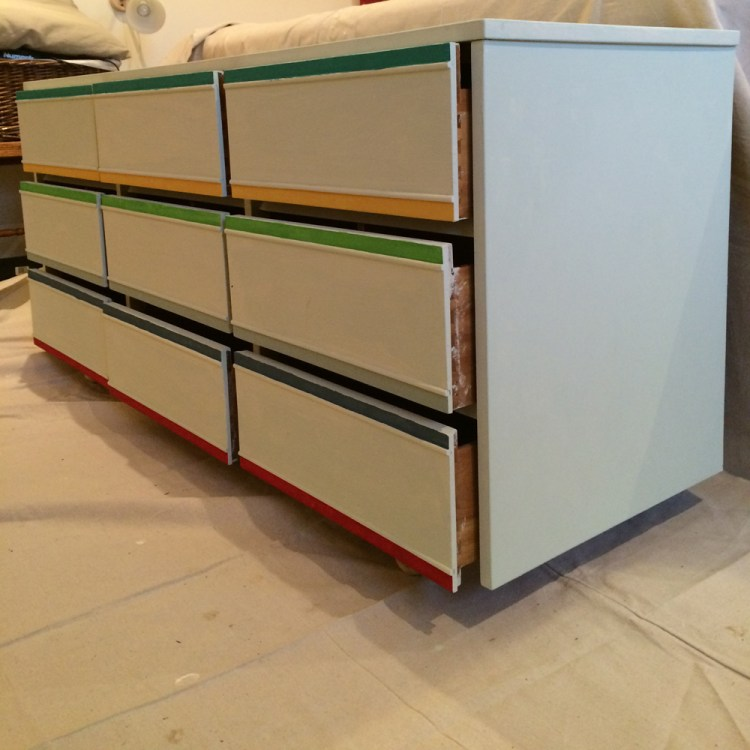 03_Side_Drawer_accent_small