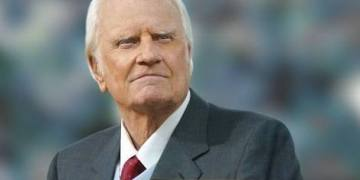 Billy Graham Devotions 30 November 2019, Billy Graham Devotions 30 November 2019 – His Presence