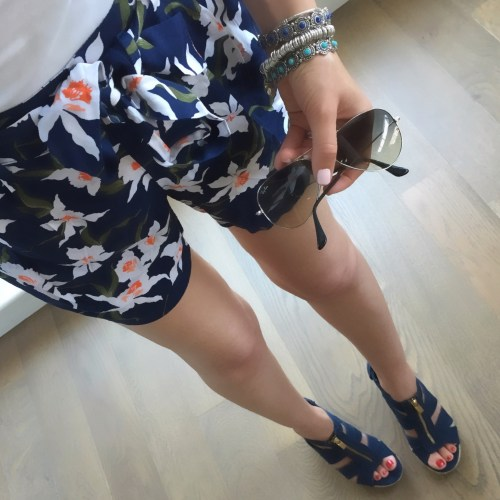 Old Navy floral shorts outfit