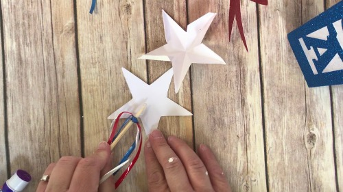 How to make a star wand for patriotic decor