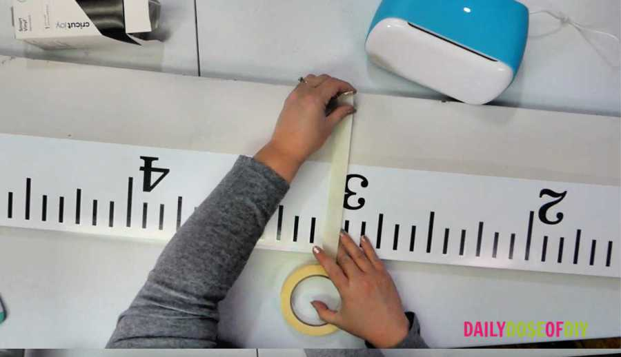 Using the hinge method to transfer vinyl to the giant ruler