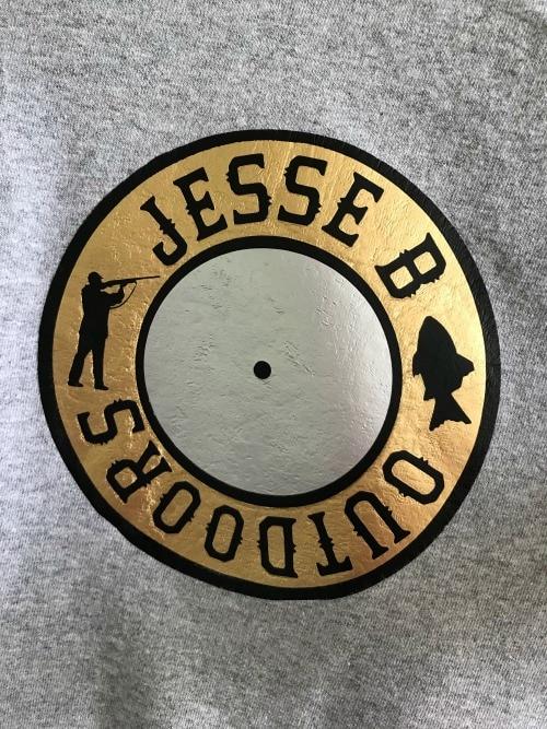 Vinyl logo on shirt made with Cricut Easy Press