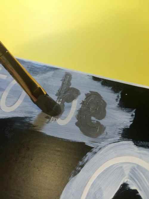 Painting the final color on a stencil without bleeds