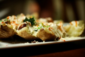 food-meals-stuffed-potato
