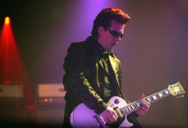 Andy Taylor playing live