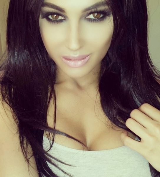 Claire LeesonWoman who Spend 30000 to look like Kim