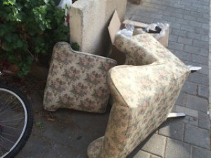 Couch thrown away by Tel Aviv woman now in Tinder Date's living room