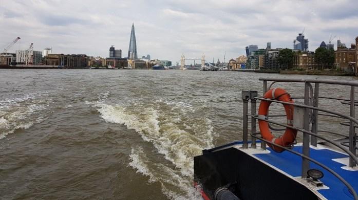 Londen public transport b boat