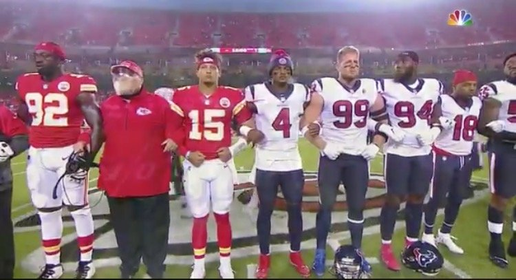 """Chiefs Fans Boo as Players From Both Teams Link Arms in """"Moment of Unity"""" and Call For Social Justice Before Game Starts (VIDEO)"""