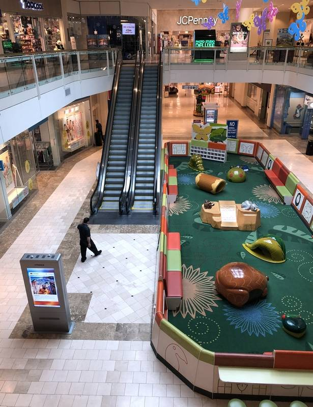 Yorktown Mall Stores : yorktown, stores, Woodfield, Schaumburg,, Gurnee, Mills, Among, Malls, Closing, Tonight