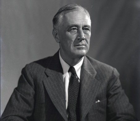 1944_portrait_of_FDR_(1)