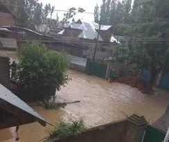 ریاست میں طوفانی بارشوں کے بعد سرینگر جموں شاہراہ اور مغل روڑ اور لیہہ شاہراہیںآمدرفت کیلئے بند
