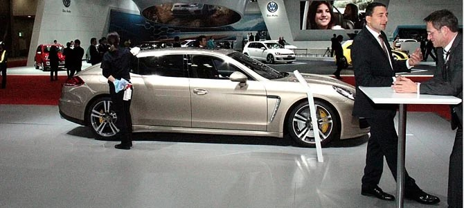 Porsche Panamera Tutrbo S Executive -2- Picture courtesy Bertel Schmitt