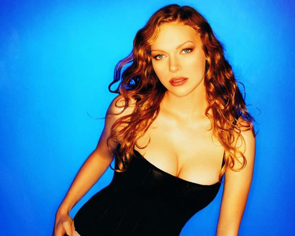 The Daily Looker Laura Prepon