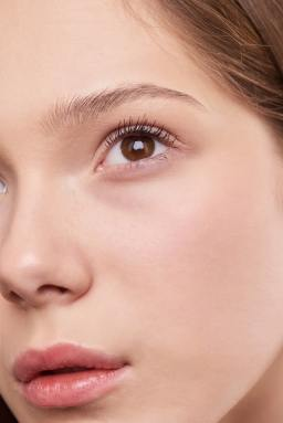 makeup to hide dark circles