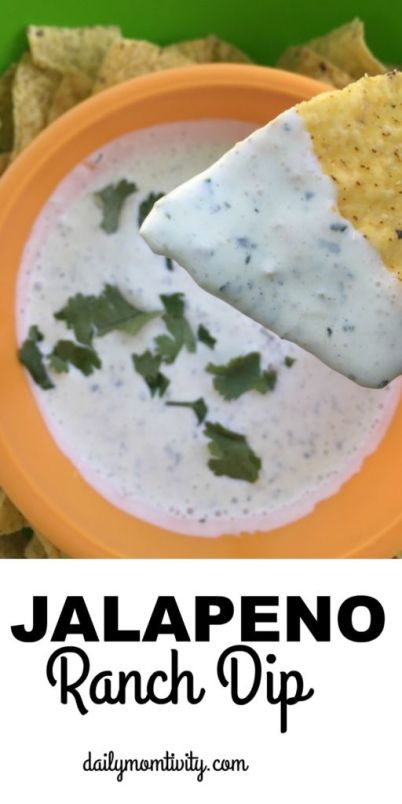 Creamy Jalapeno Ranch Dip that is just like Chuy's! It's so good you will want to lick the bowl. https://dailymomtivity.com