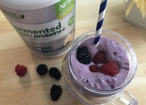 triple berry vanilla smoothie