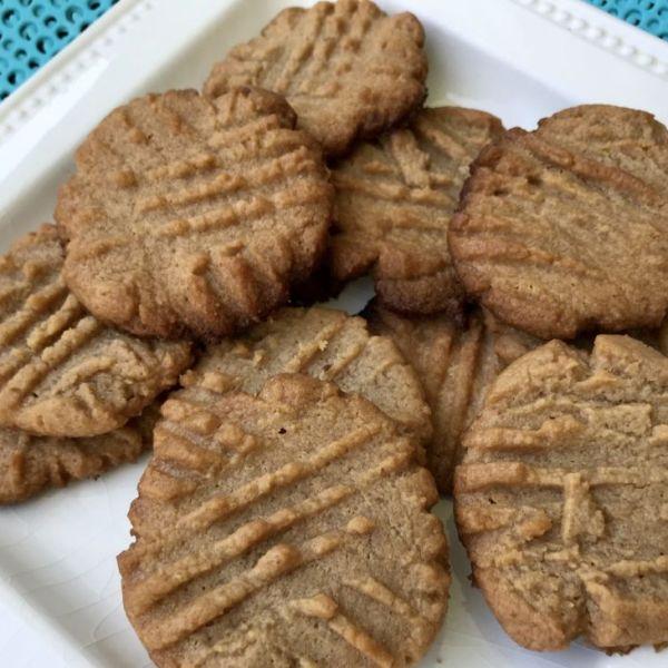 The Best 3 Ingredient Peanut Butter Cookies