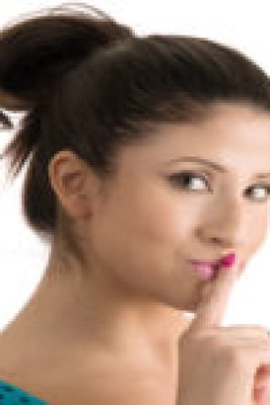 First Internet Business: Create Your First Online Business Through This Trio. Pop Culture Ecommerce, Blogging for Beginners & Shopify Marketing.