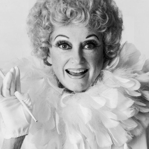 Read more about the article Phyllis Diller
