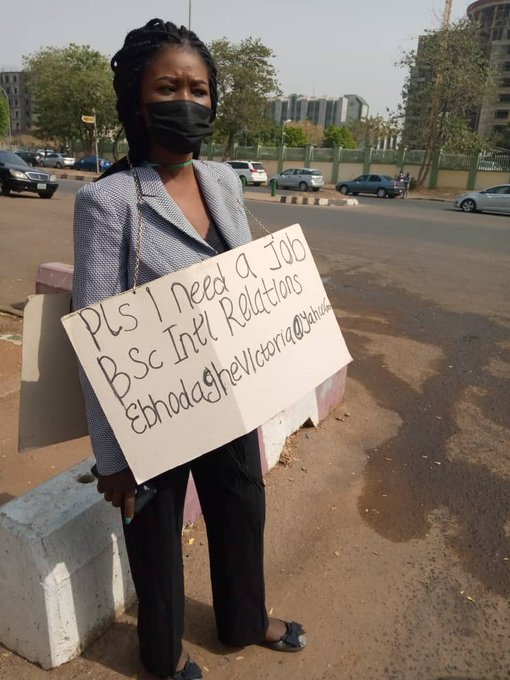 "Moment ""frustrated"" Nigerian job seeker went solo on the streets to beg for job"