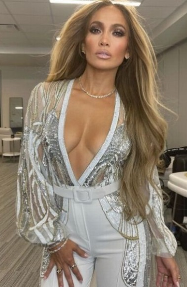 51 year-old J.Lo shows Alex Rodriguez what he's missing