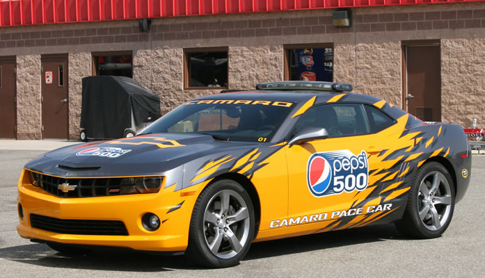 Chevrolet Camaro Pace Car Arrives At Nascar In Style - Video