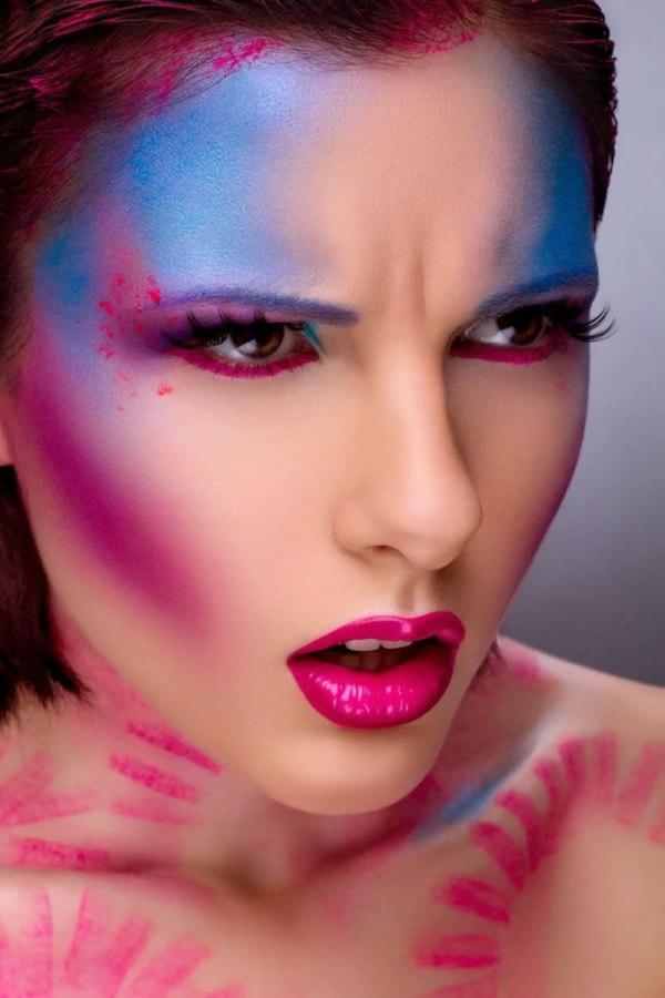 Makeup Artist Creates Amazing Tranformations