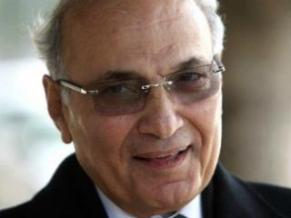 South Cairo Criminal Court announced it would decide a verdict during its next hearing on 4 May in the case examining allegedly illicit gains by former regime figures through the Land Pilots Association. The defendants include Ahmed Shafiq, Nabil Shukri, Alaa and Gamal Mubarak (AFP Photo)