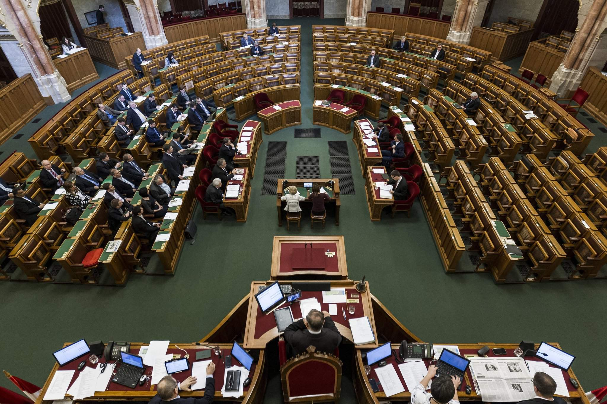 Border control tightening. Good Friday on parliament schedule next week – Daily News Hungary