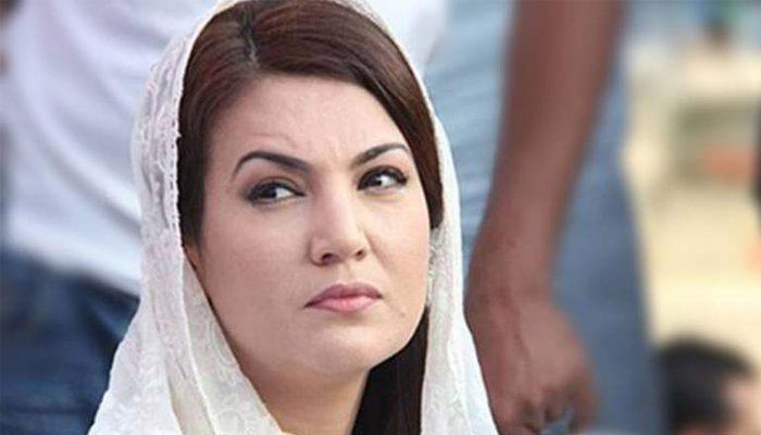 ریحام خان بھارتی چینل کو انٹرویو دیتے پاکستانی خاتون کے ہتھے چڑھ گئیں، جان بچا کر نکل گئیں
