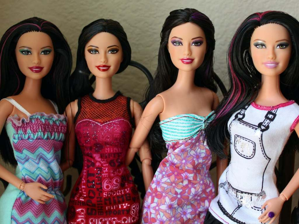 Girls Who Play With Ultrathin Dolls Are More Likely To Struggle With Body Image Problems