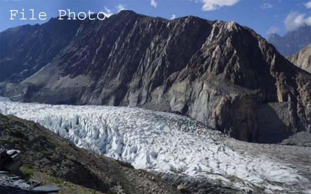 ہنزہ: 7 ماہ سے بند شیسپر گلیشئیر سے پانی کا اخراج شروع