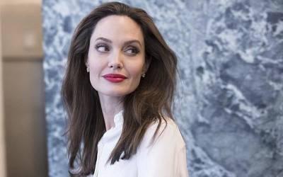 ''آپ ہمیشہ کینسر سے محفوظ رہ سکتے ہیں اگر ۔۔۔ '' اداکارہ انجلینا جولی کی سرجن نے صحت کا سب سے بڑا راز بتا دیا